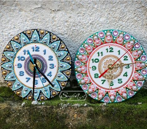 Ceasuri pictate si decorate manual