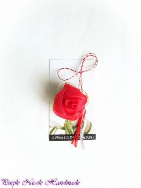 Regina - martisor boboc trandafir rosu handmade