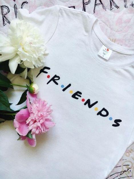 TRICOURI FRIENDS