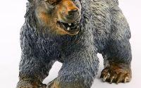 Urs -statueta din bronz
