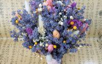Buchet de mireasa cu lavanda si flori uscate