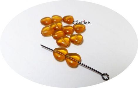 Cristale in forma de inima galben aurii 8mm