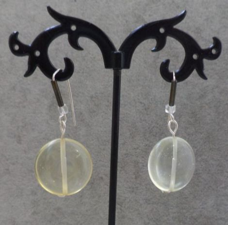 Cercei handmade din sarma gilt si margele sticla