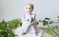 LA COMANDA - Figurina personalizata pentru tort