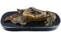 Femeie dormind - statueta din bronz pe soclu din m