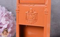 Cutie postala de perete din metal orange