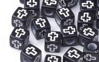 50buc margele acril negre cub cruce alba - 6mm