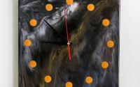 Ceas de perete decorat cu rin