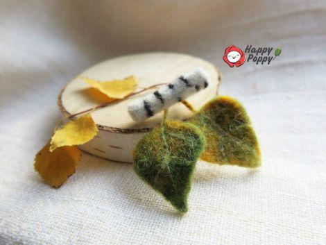Brosa impaslita - Ramura de mesteacan cu frunze