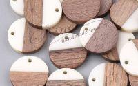 Pandantiv din lemn si rasina 18x3.5mm