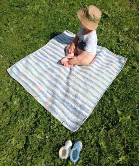 Patura crosetata pentru bebelusi
