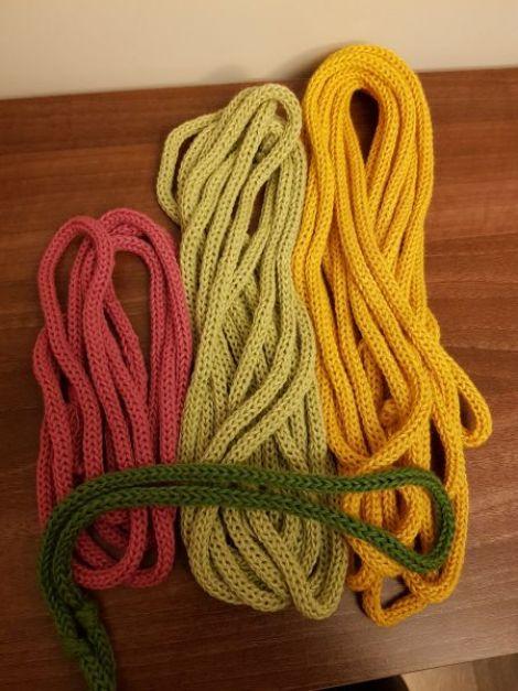 snur tricotat diverse culori