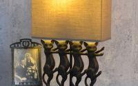 Lampa de masa cu patru pisici
