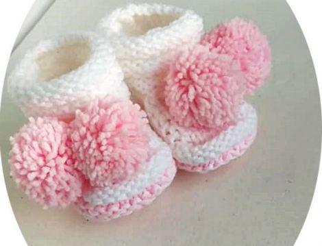 botosei tricotati albi- roz cu canafi roz