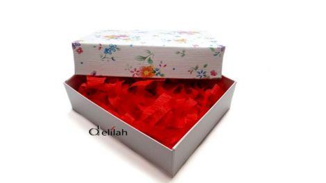 Cutii cu capac pentru bijuterii model floral