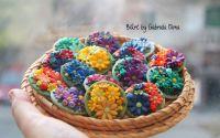 Brose cu flori colorate