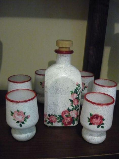 Set pahare cu trandafiri