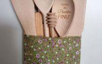 Set de linguri personalizate cu suport din lemn