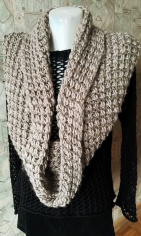 fular circular tricotat bej gris