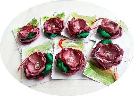 martisor brosa floare de matase roz- orhidee