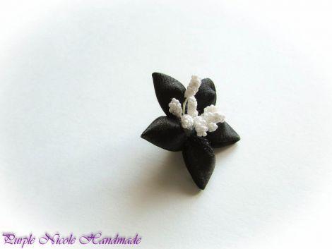Steluta neagra - brosa floare stea