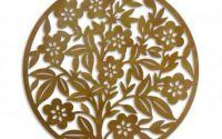 Decoratiune rotunda de perete din metal cu flori