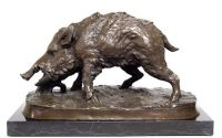 Porc mistret -statueta din bronz pe un soclu