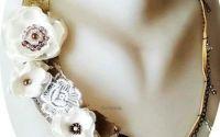 colier floral alb neutru