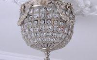 Plafoniera mica din cristal cu decoratiuni