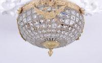 Plafoniera mica din cristal cu decoratiuni aurii