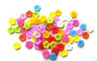 30 nasturi din plastic