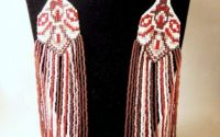 Colier manual din margele in stil traditional