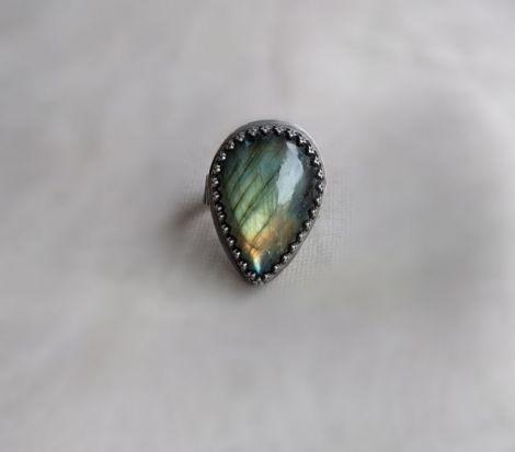 Mistique inel argint oxidat cu labradorit natural