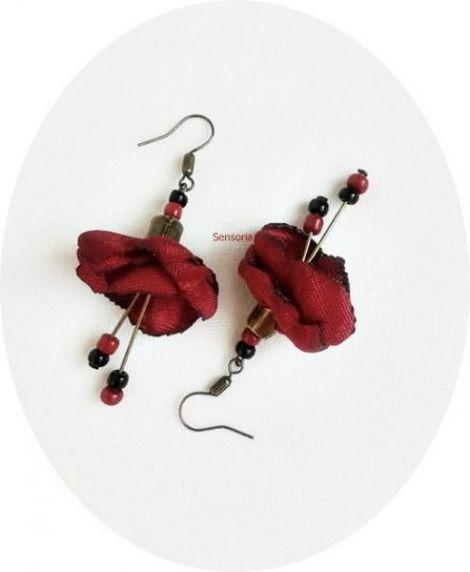 cercei clopotei de flori grena