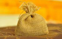Saculet umplut cu floare de lavanda uscata