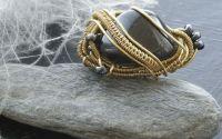 Inel din sarma de bronz cu turmalina neagra