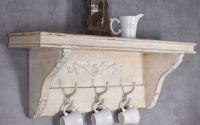 Cuier din lemn masiv bej antichizat