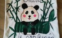 Tricou dama personalizat pictat manual cu panda