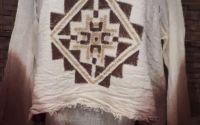 Bluza pictata motive traditionale