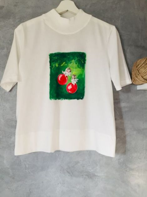 Tricouri pictate de Craciun