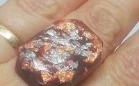Inel rasina rosie cu foita de cupru si argint