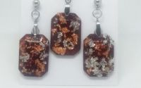 Set bijuterii rasina compus din colier si cercei