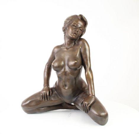 Nud-statueta erotica din bronz