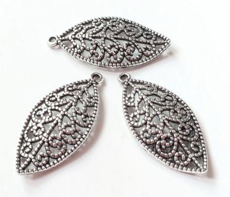 Charm pandantiv frunza filigran argintie 26 x 13mm
