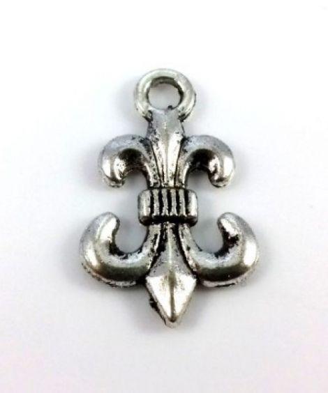 Charm argintiu antichizat Fleur du Lys 23 x 14 mm