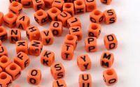 500buc margele litere alfabet cub mix Coral 6mm