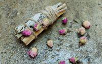 Buchet aromaterapie Trandafiri Palo Santo Salvie