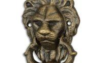 Batator de usa cu un decor cu un leu