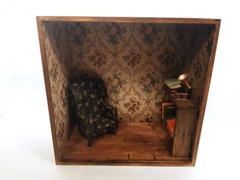Biblioteca miniaturala