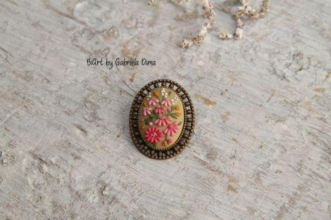 Brosa cu flori presate - bronz